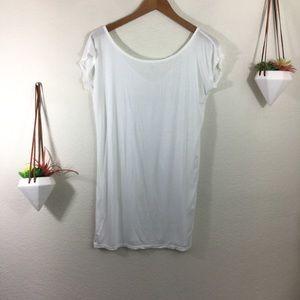 Isabel Benenato white tee shirt
